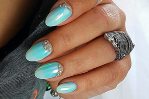 pose-lawniczak-sensationail-nails-company-385px